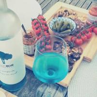 红番茄与蓝葡萄酒